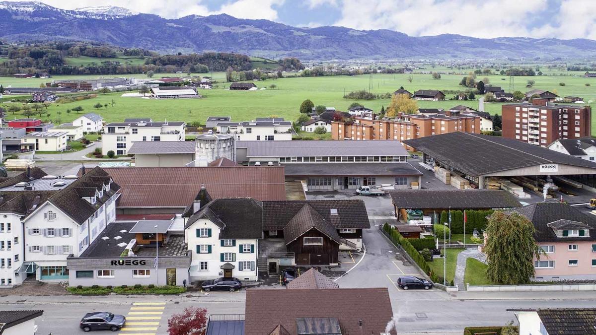 Unternehmen - Rüegg AG Kaltbrunn Schreinerei Holzbau Zimmerei